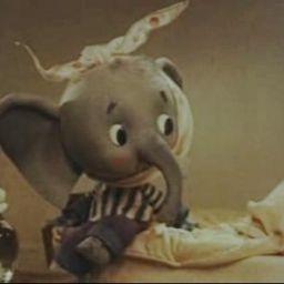 Слоненок заболел