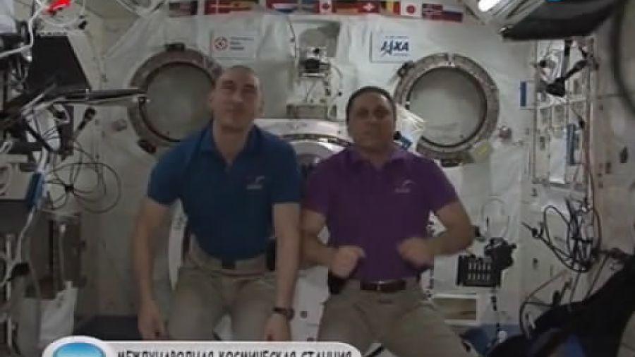 Могут ли космонавты на орбите синхронно выполнить сальто?