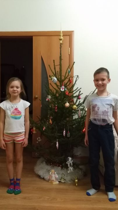 Никита и Ульяна Викторович Николаевы